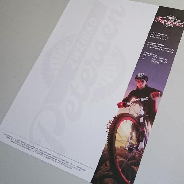 Druckerzeugnis - Briefpapier mit Firmenlogo
