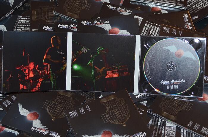 3-teilige CD-Box des Musikalbums, aufgeklappt