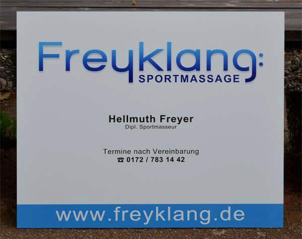 Praxis-Schild aus Aluverbund-Platte mit Direktdruck