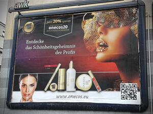 Großflächenplakat für Kosmetik-Firma aus Holm