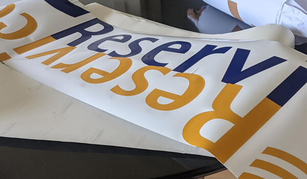KFZ-Folie mit Konturschnitt und Digitaldruck
